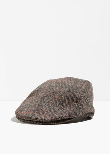 Flat cap with braided check weave
