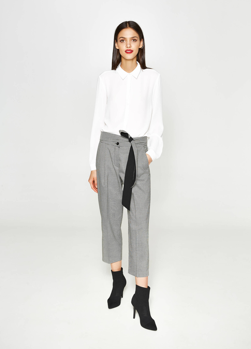 Hound's tooth cropped trousers with crease. image number null