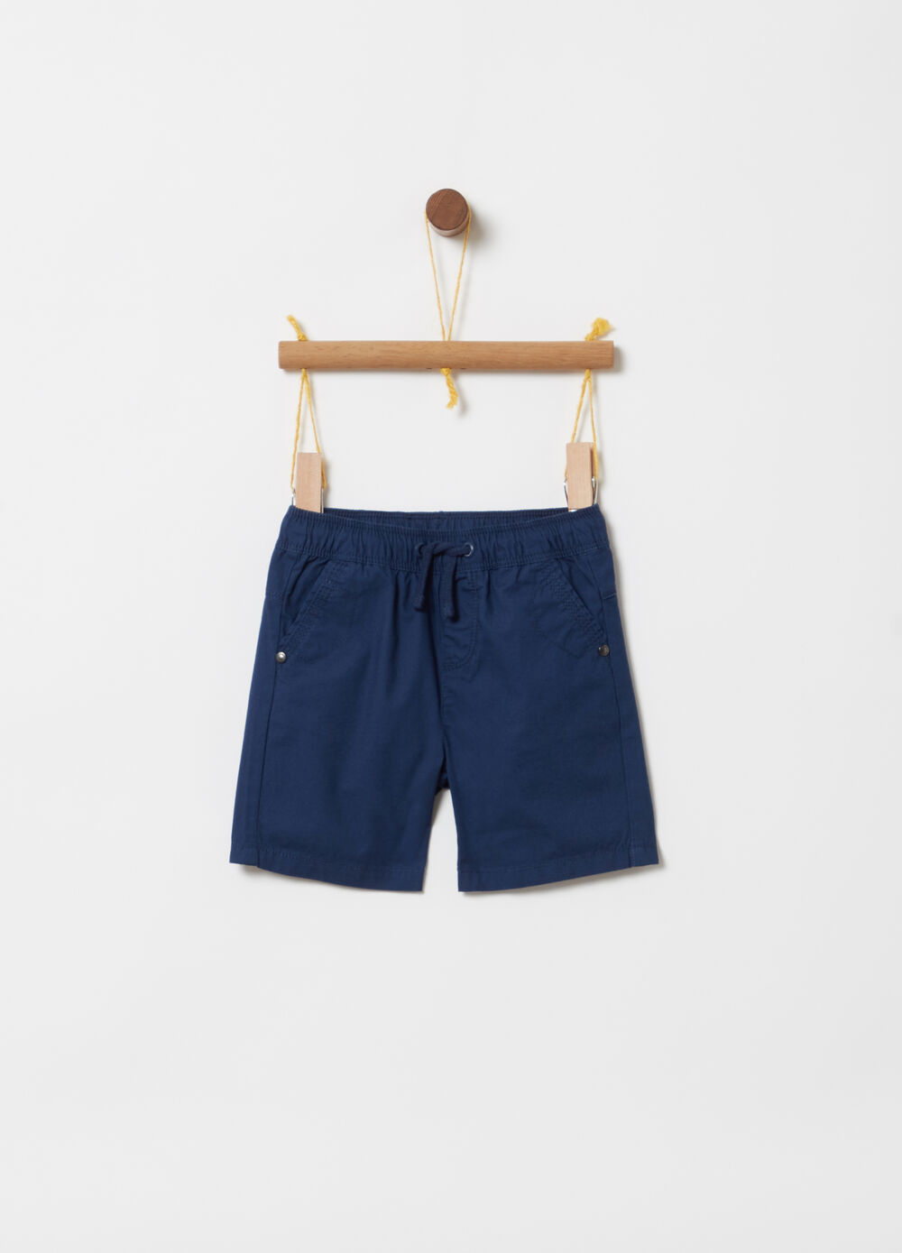 Shorts in popeline con coulisse e tasche