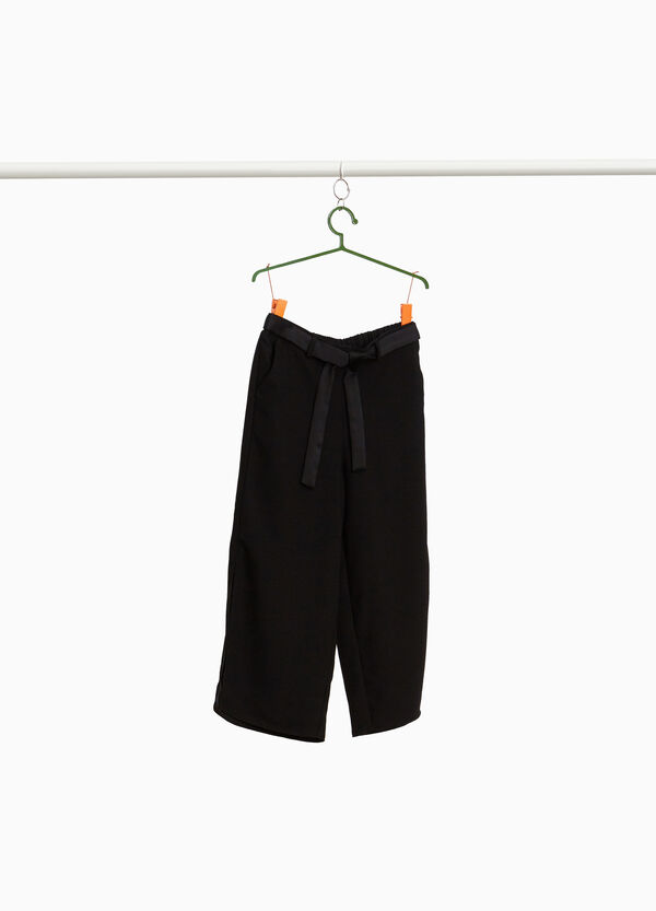 Crop trousers with belt