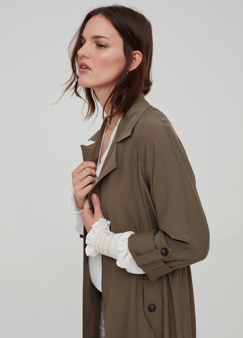 Trench con revers e tasche image number null