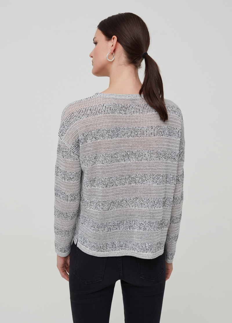 Striped top with design image number null