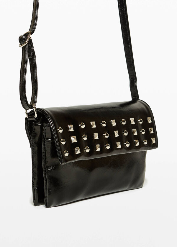 Shiny textured clutch with studs