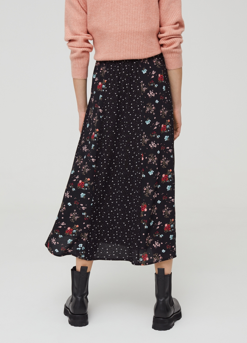 100% viscose skirt with buttons image number null