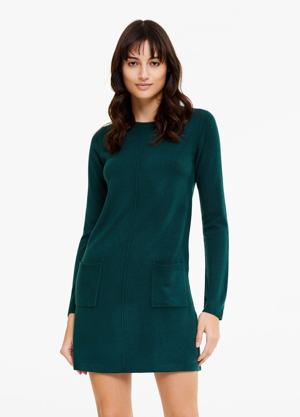 Knitted dress with long sleeves and pockets