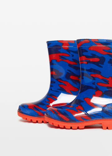 Camouflage patterned rain boots