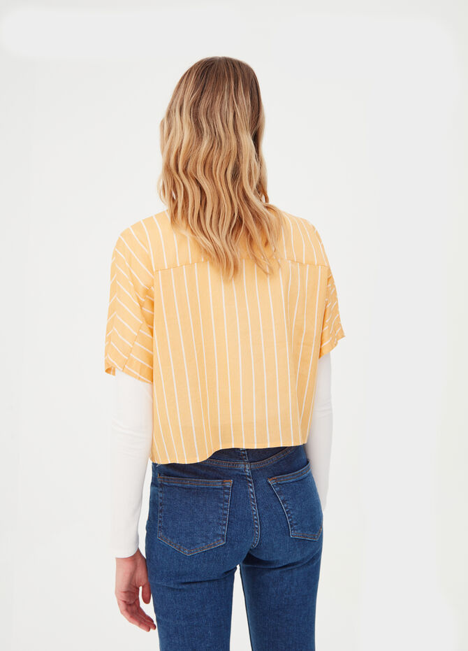 Cropped shirt with cap sleeves