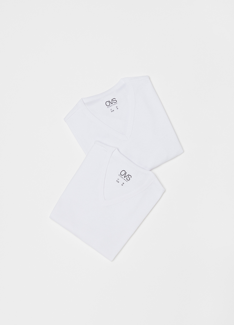 Two-pack V-neck undershirts in 100% cotton image number null