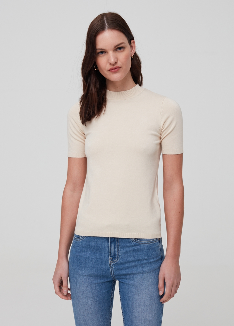 Solid colour knitted top image number null