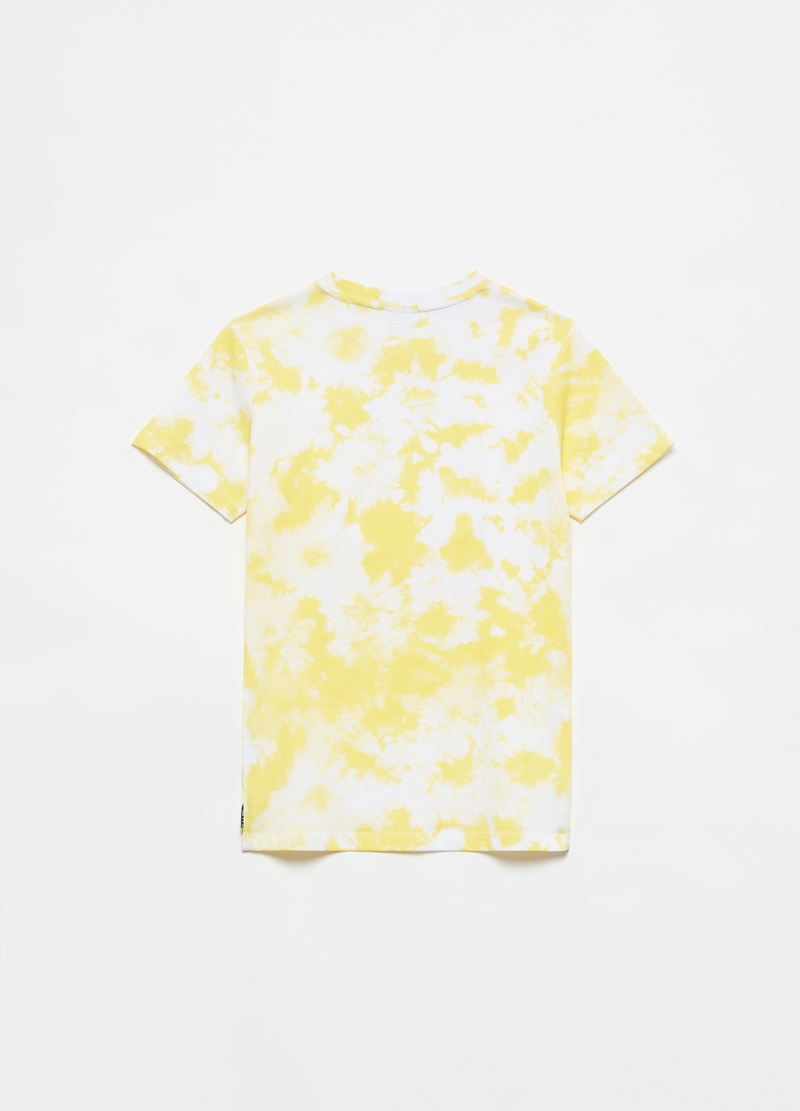 Tie-dye T-shirt with embossed lettering image number null