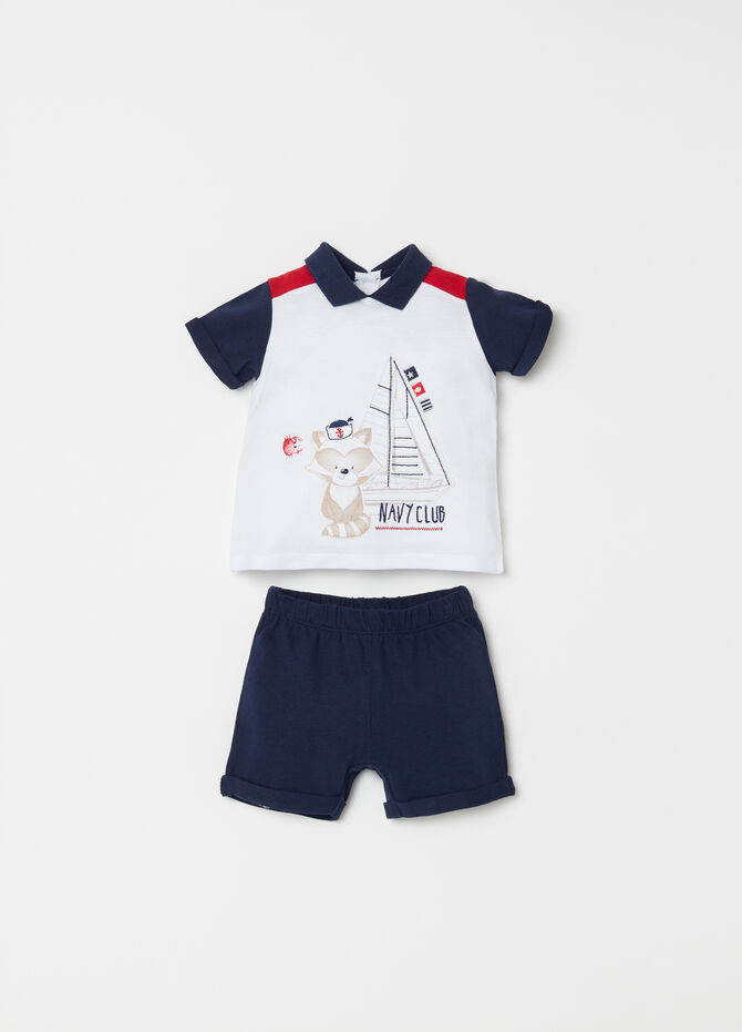 T-shirt set with applications and shorts