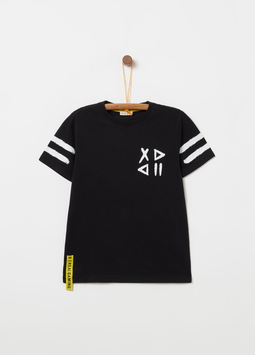 T-shirt with lettering patch and geometric print