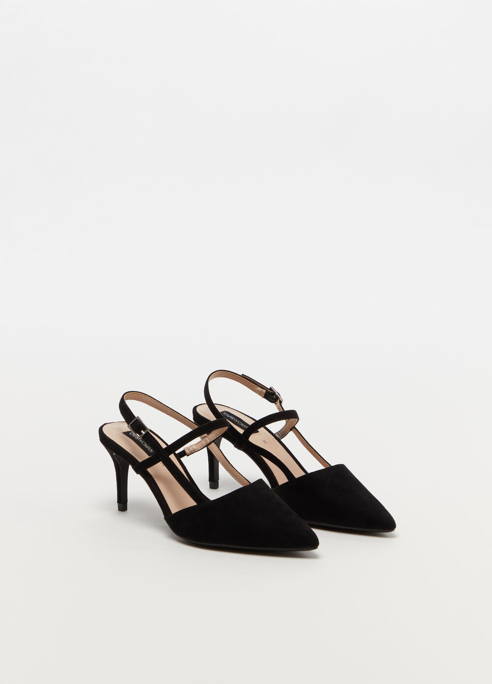 Pointed court shoe with medium heel