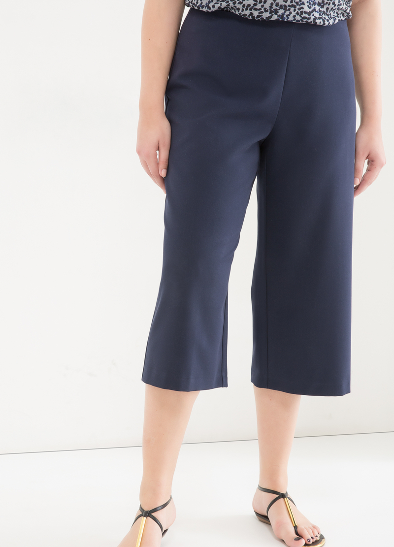 Curvy gaucho model trousers image number null