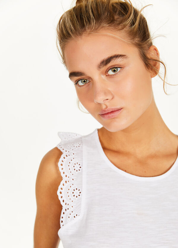 Cotton slub top with lace