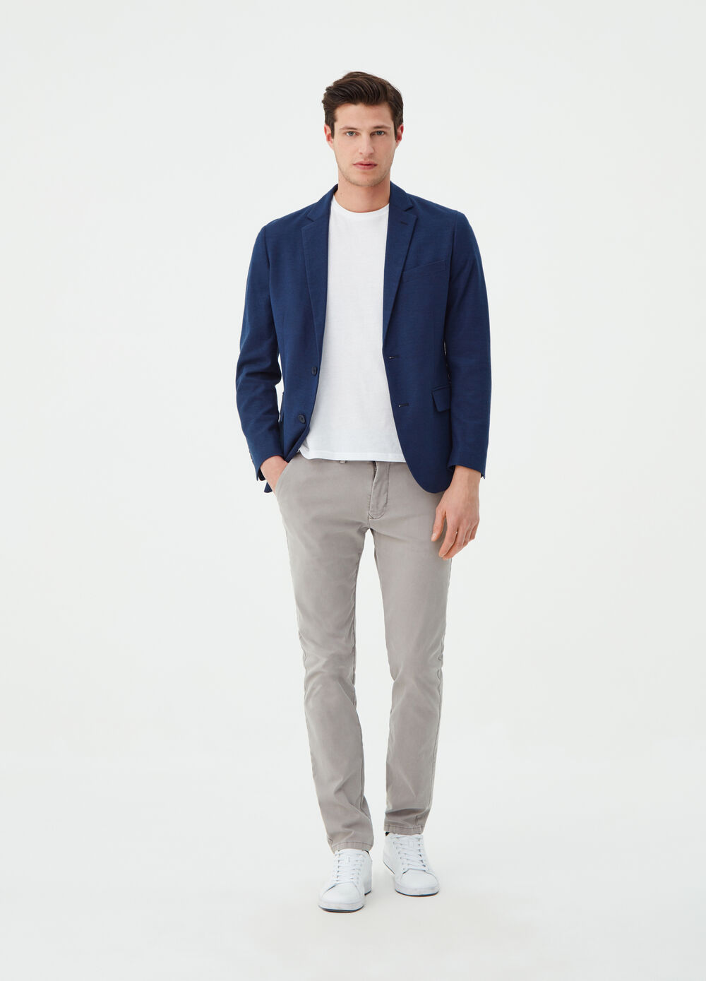 Blazer with lapels and pockets with flap