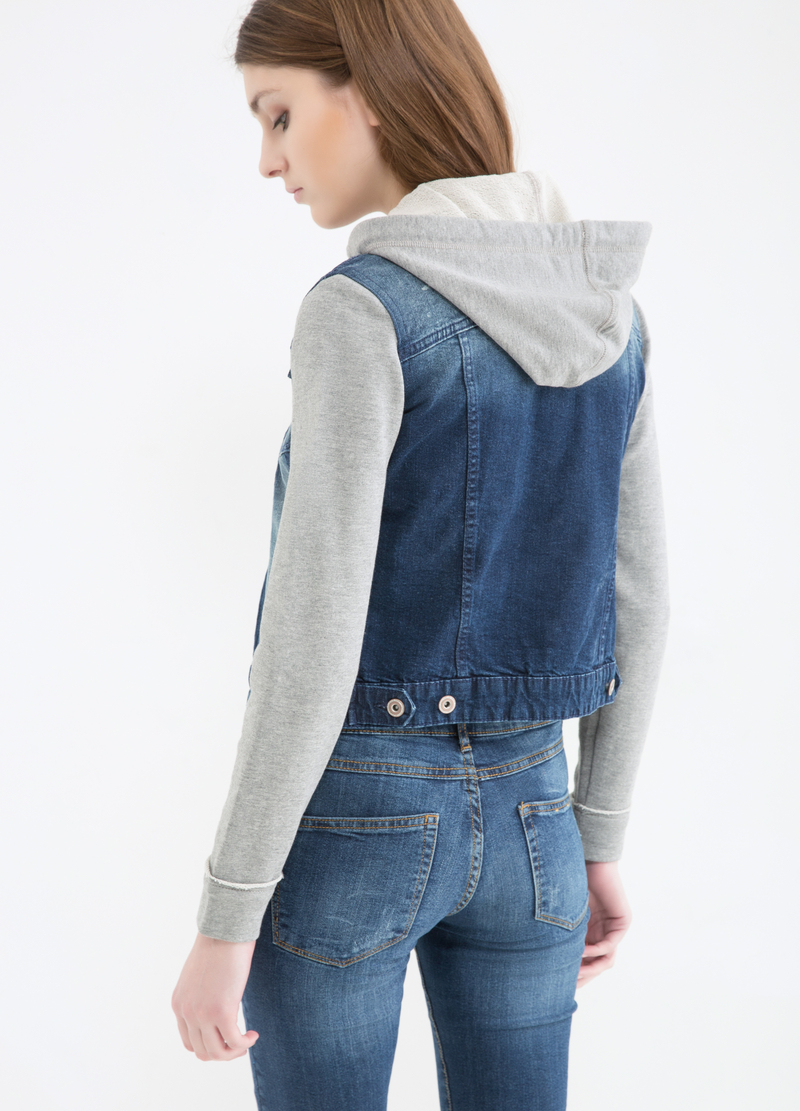 Gilet di jeans effetto used image number null