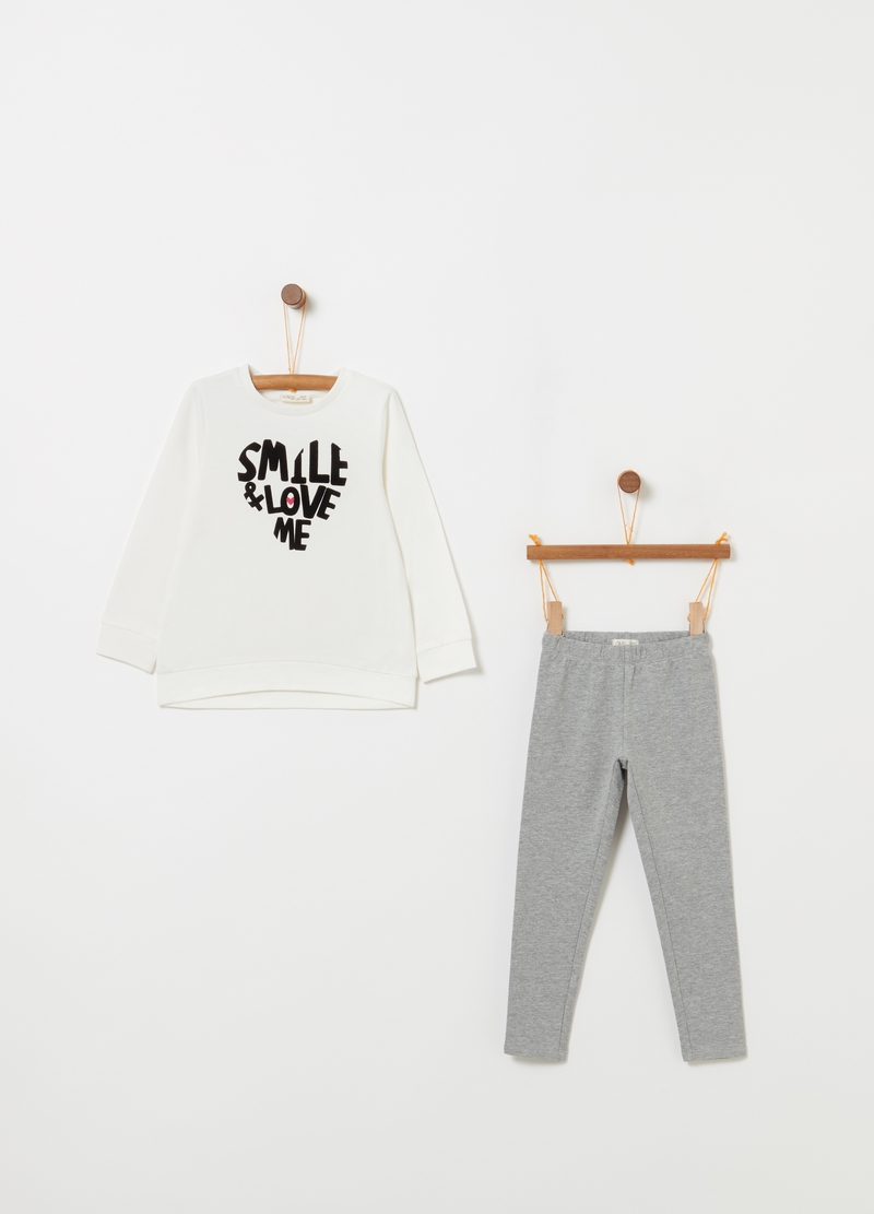 Jogging set t-shirt leggings con stampa image number null