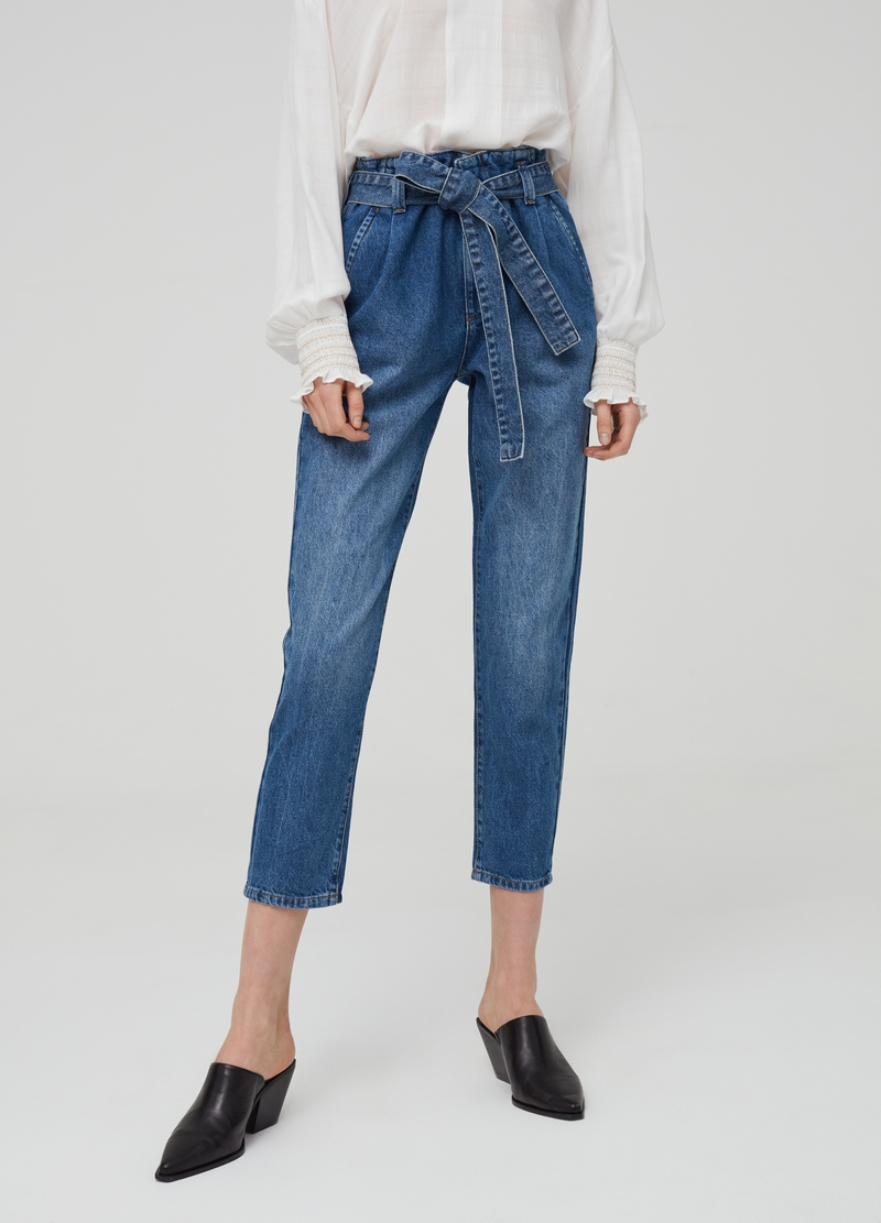 Jeans mom fit con cintura image number null