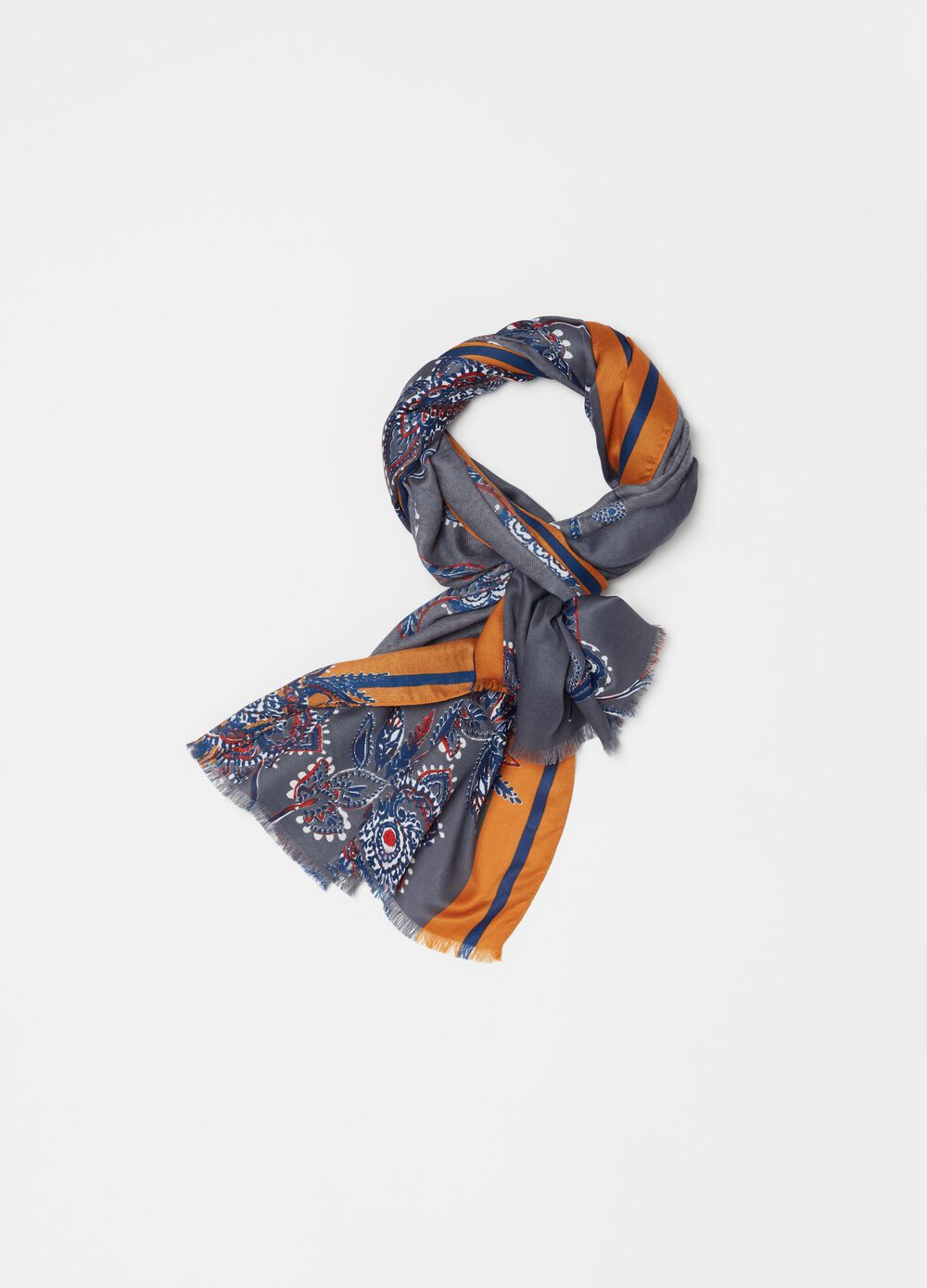 Pashmina with pattern print