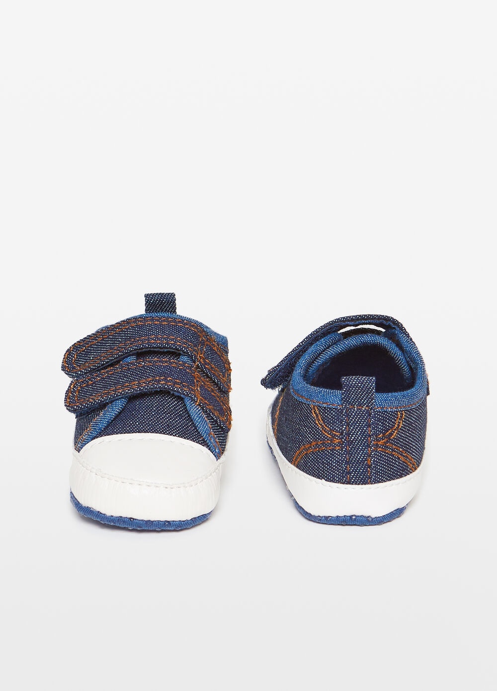 Fabric sneakers with Velcro