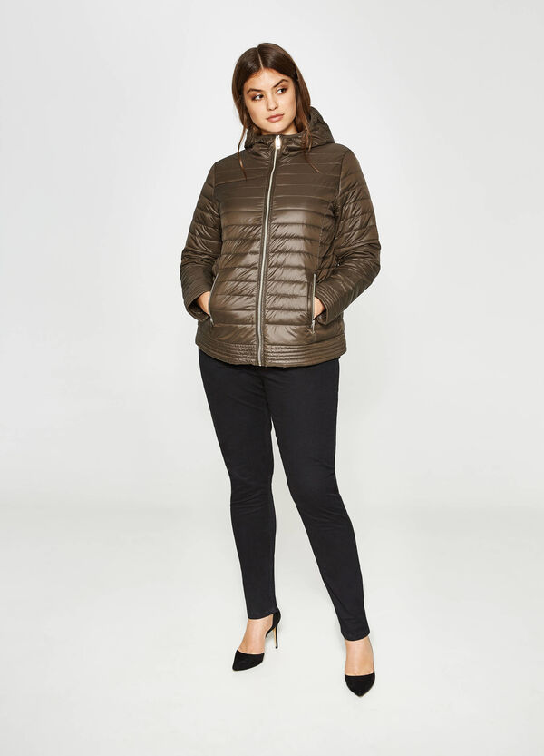 Curvy down jacket with hood