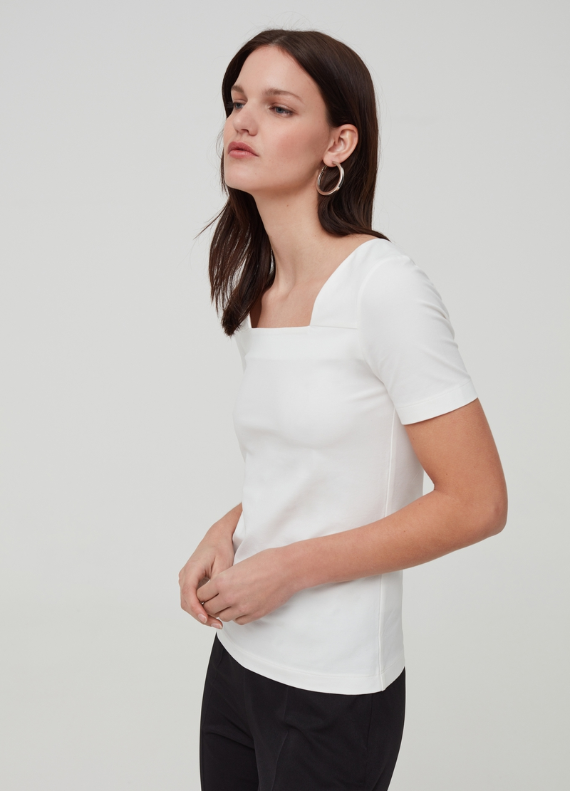 T-shirt with squared neckline image number null