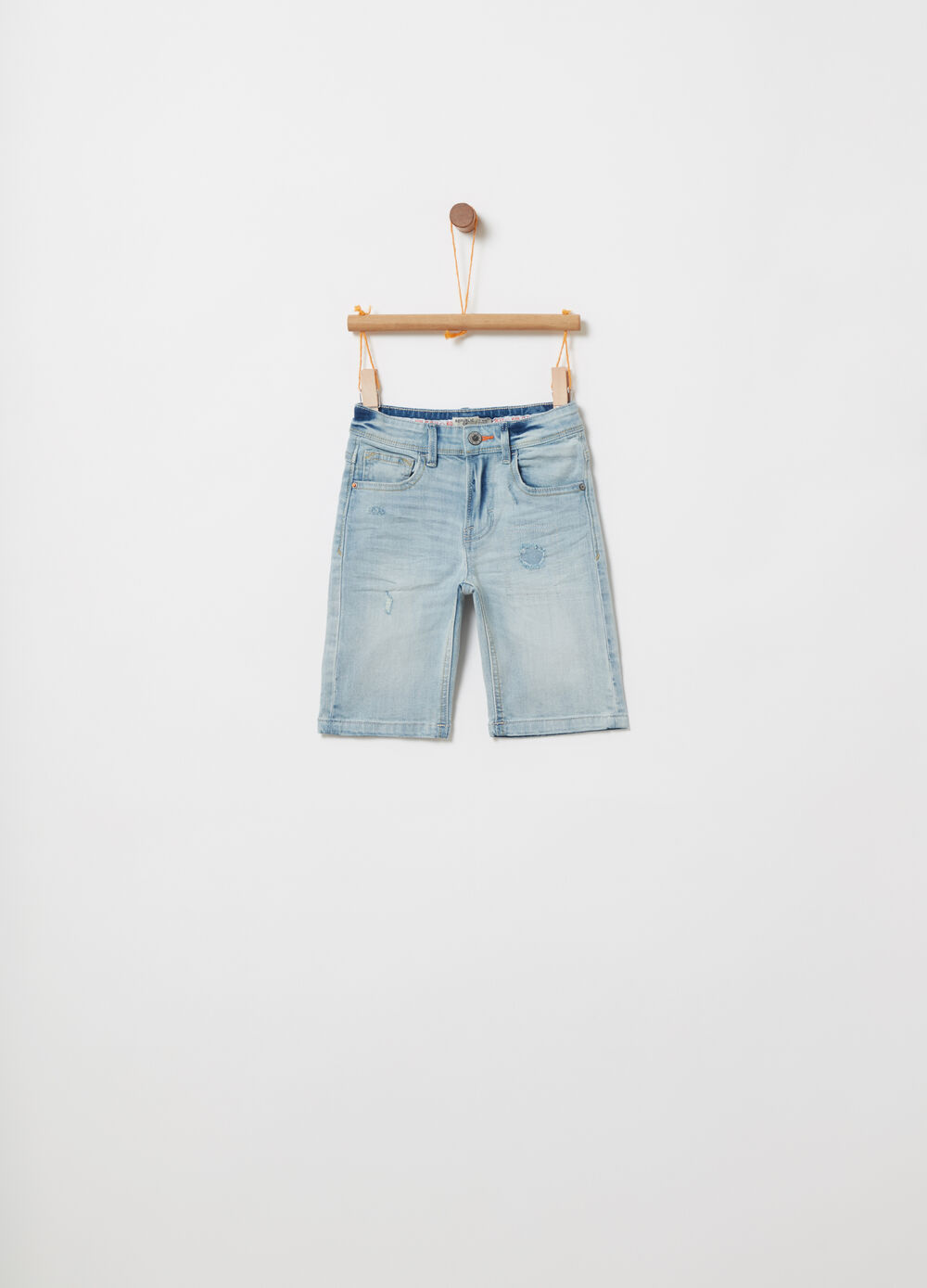 Shorts in stretch worn-effect denim