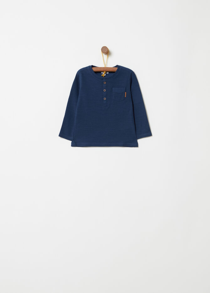 Long-sleeved T-shirt with pocket