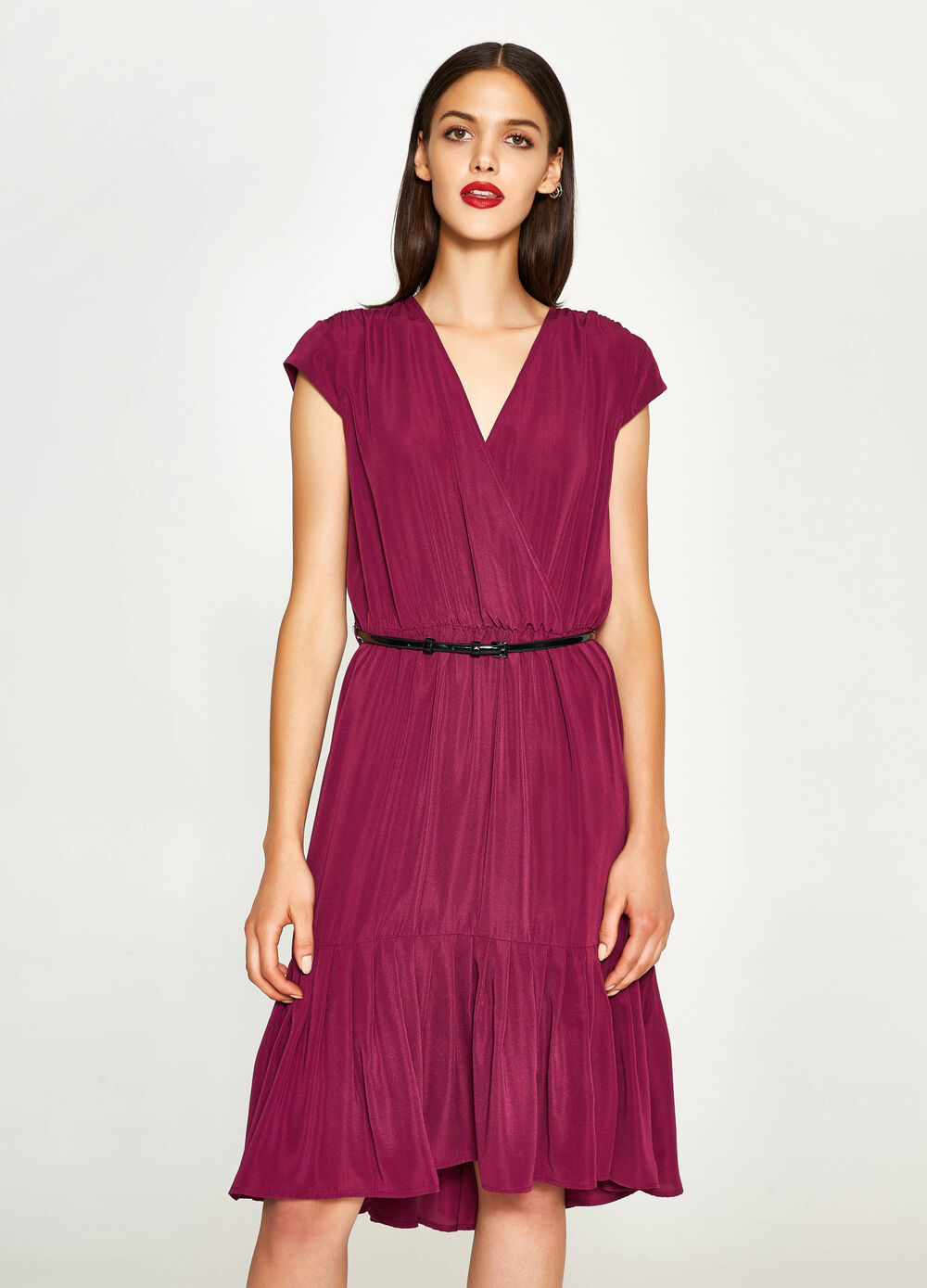 Dress with V-neck and flounce
