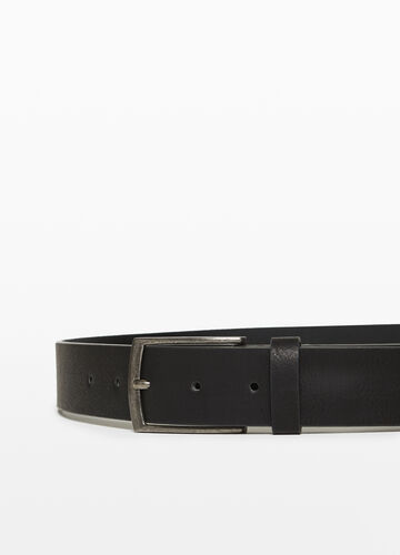 Hammered-effect belt