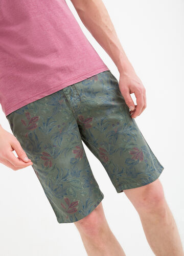 Bermuda shorts in 100% cotton with floral pattern