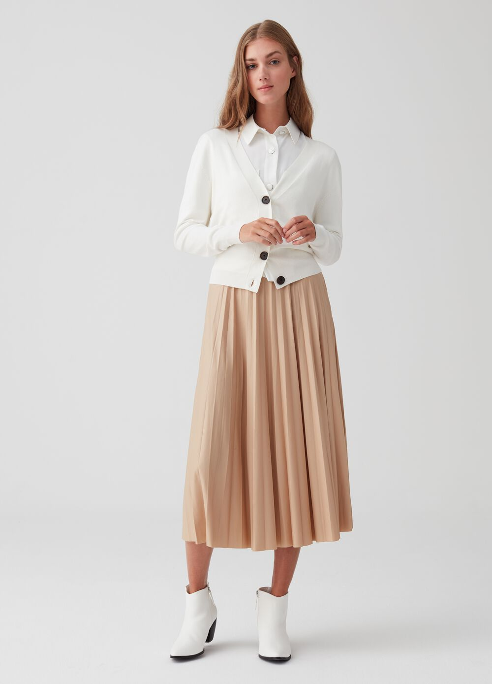 Stretch leather-look pleated skirt