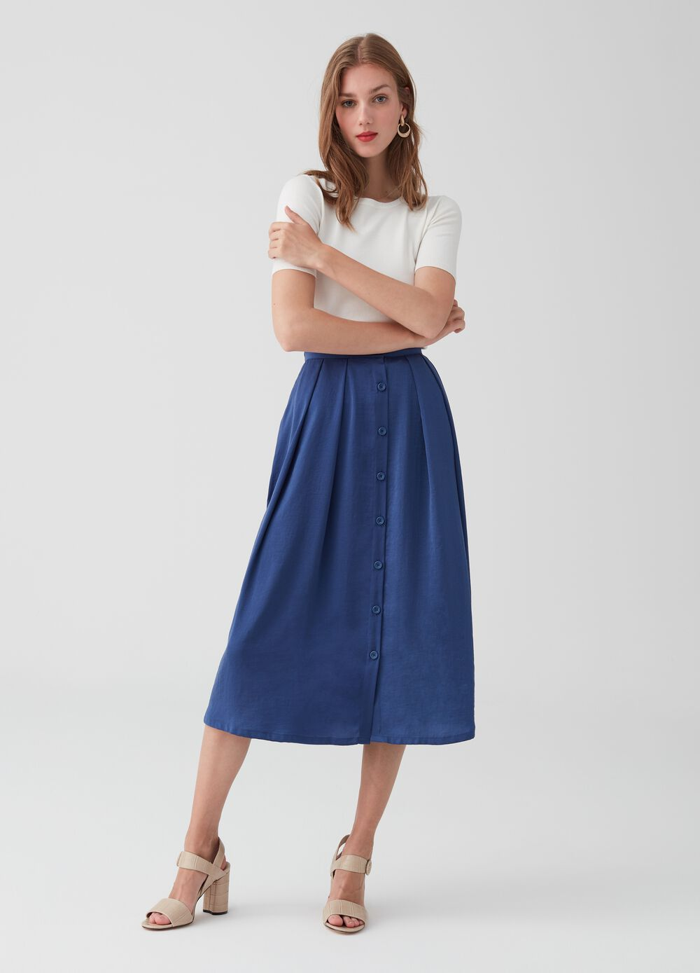Skirt with pockets pleating and buttons