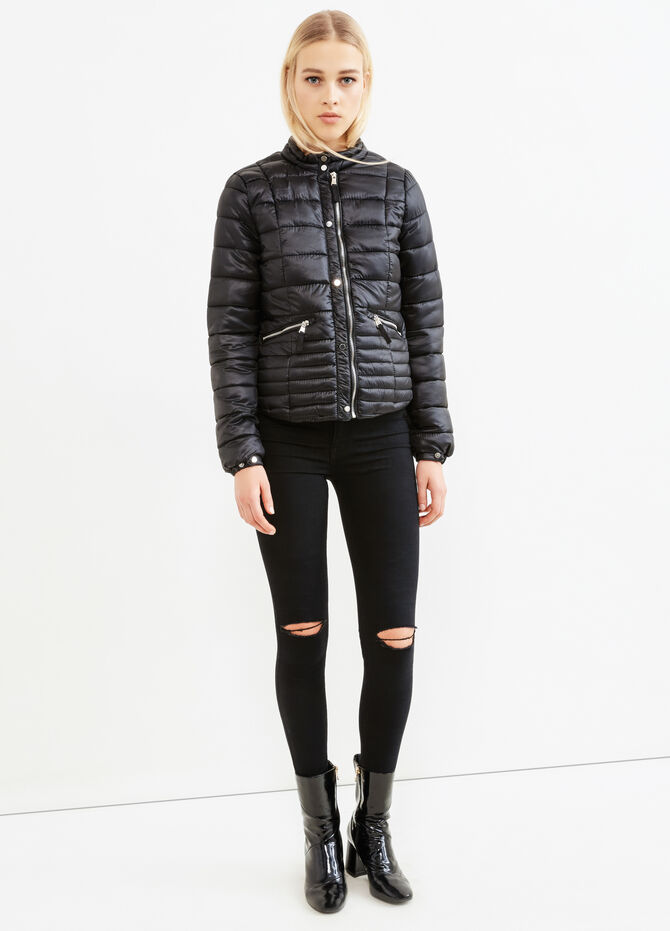 Solid colour down jacket with high neck