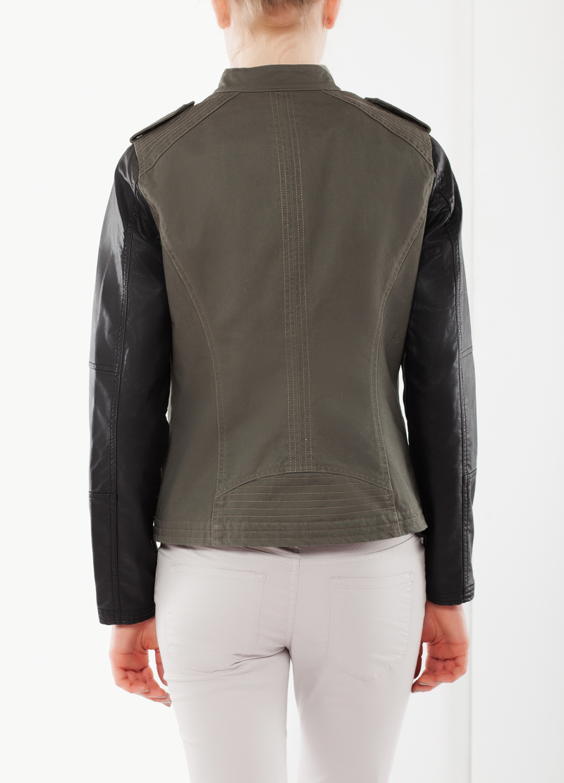 Two-tone jacket with zip image number null