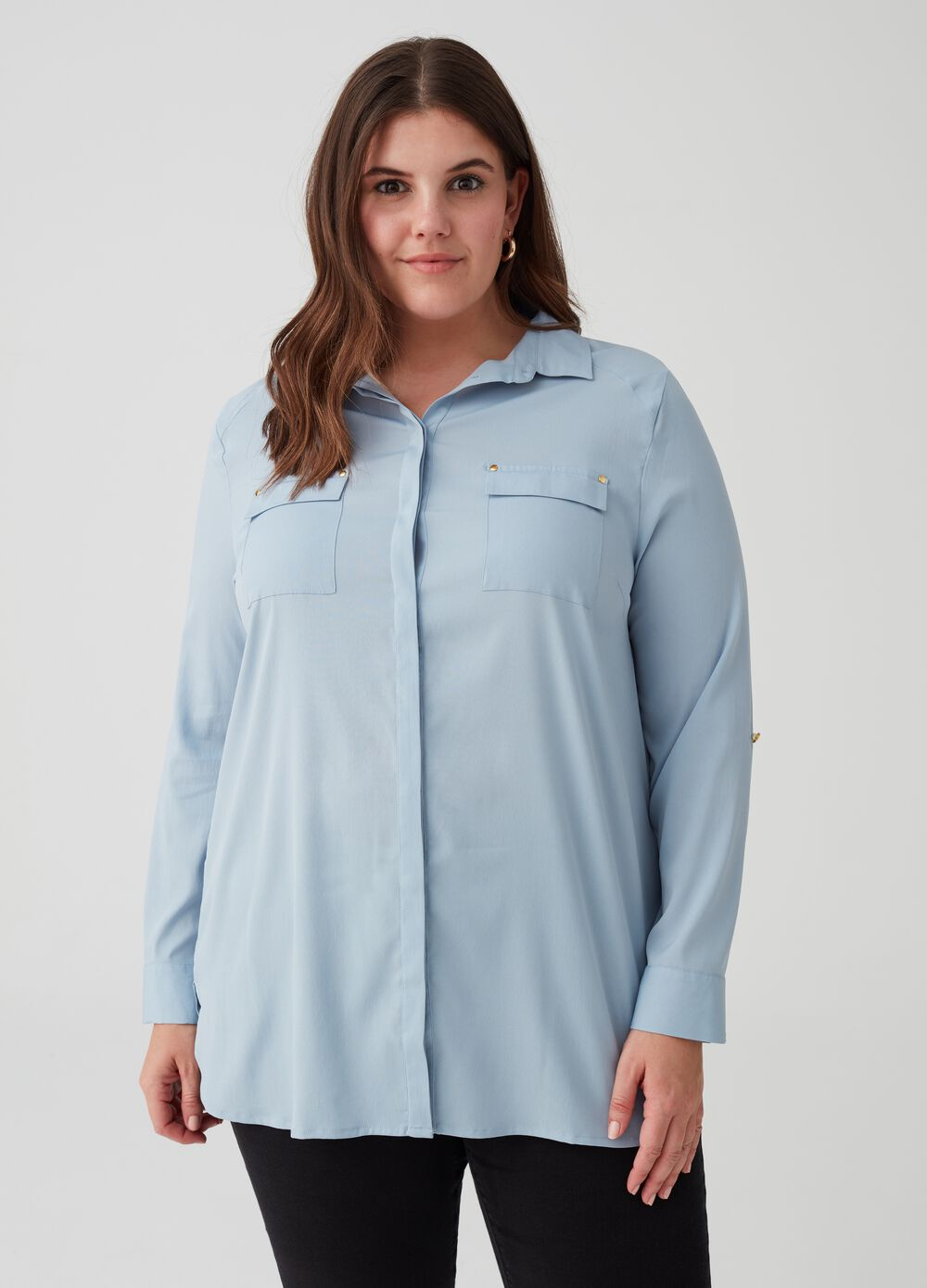 Curvy shirt with flap pockets