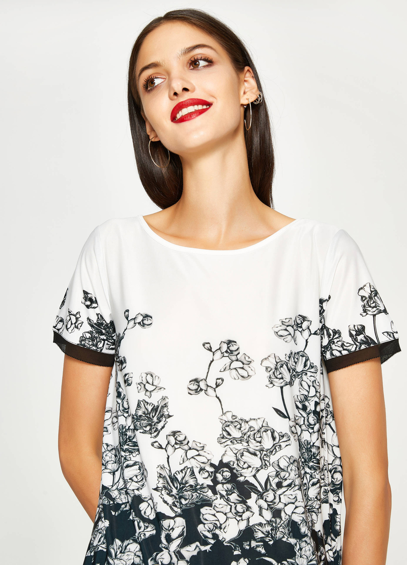 T-shirt stretch con stampa floreale image number null
