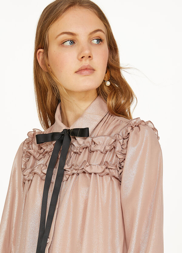 Shiny shirt with flounce and bow