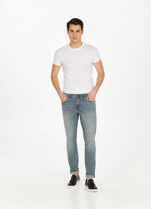 Used-effect loose-fit stretch jeans