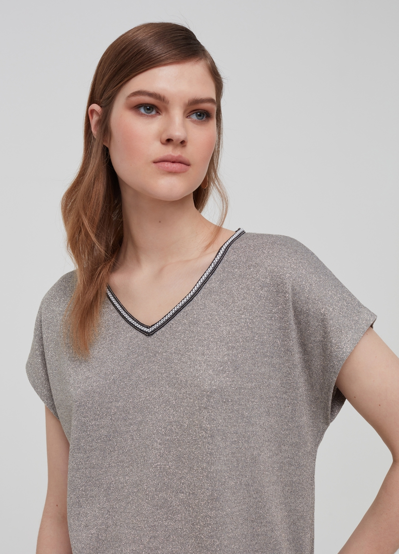 V-neck T-shirt with lurex image number null