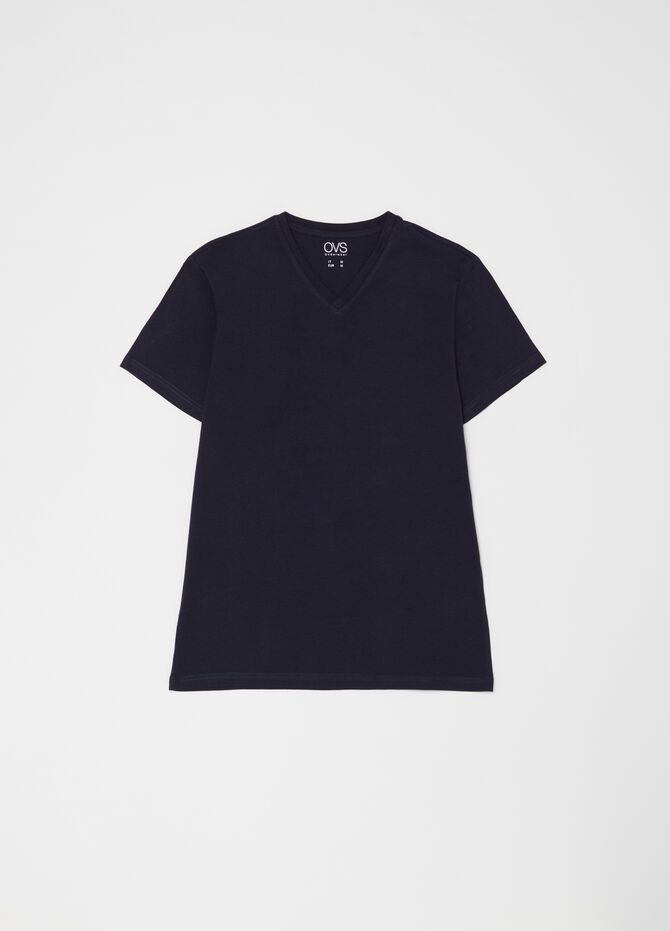 Organic cotton T-shirt with V-neck