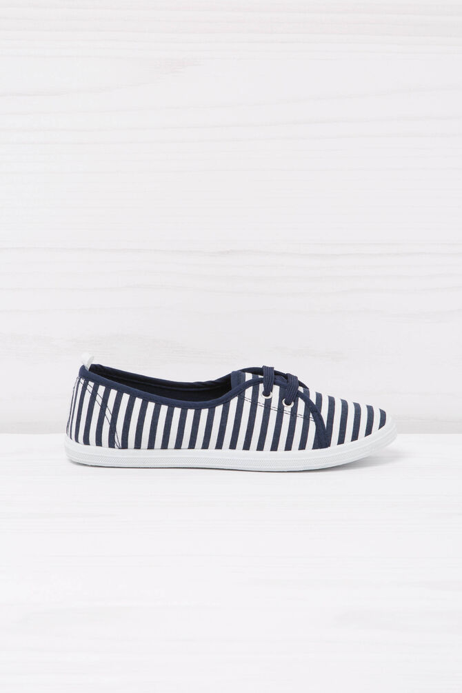 Low sneakers with striped pattern