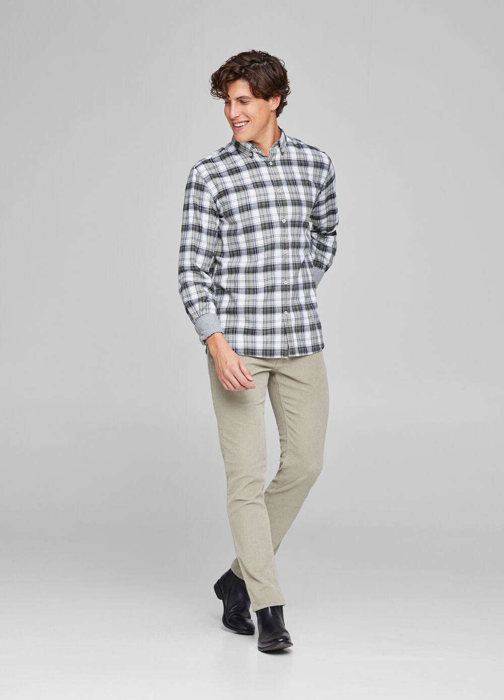 Check pattern shirt with pocket