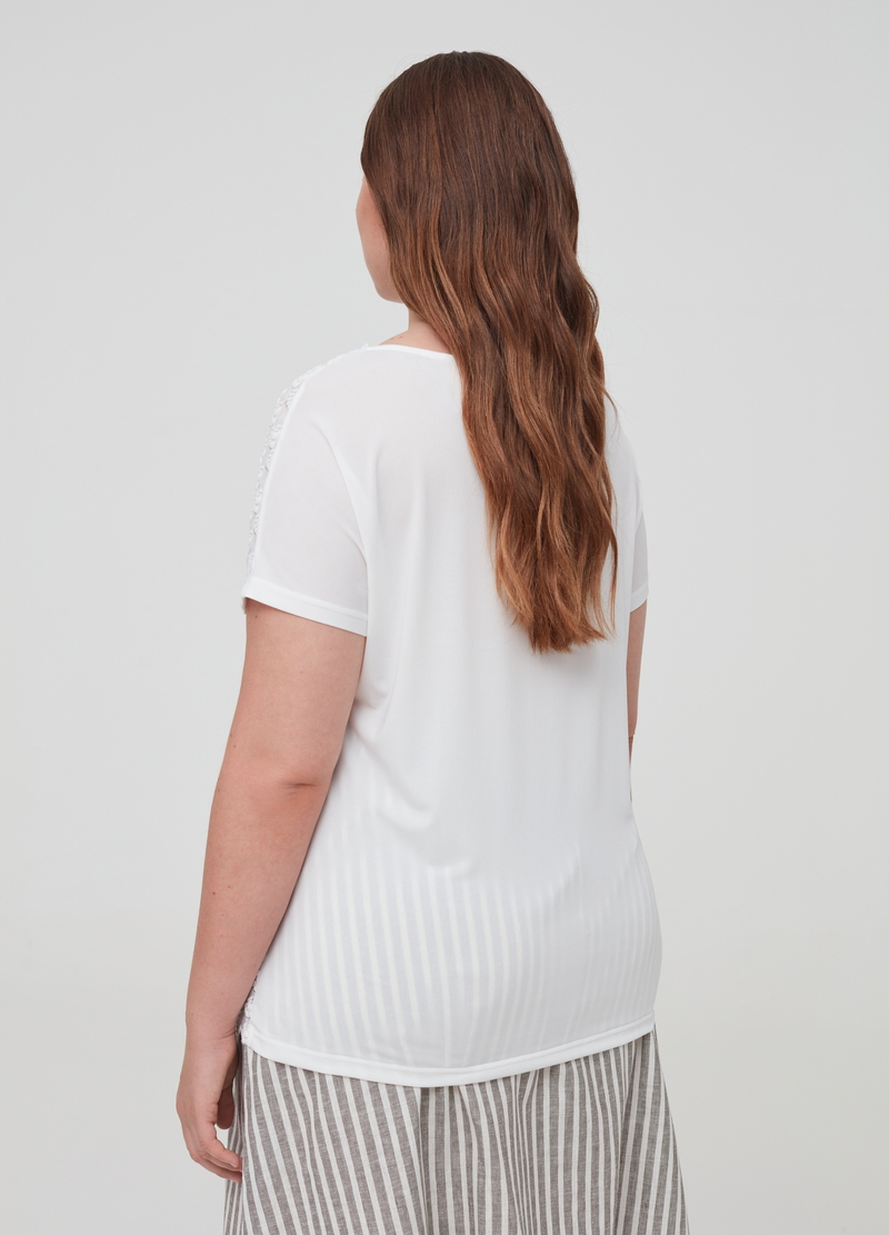 Curvy solid colour woven T-shirt image number null