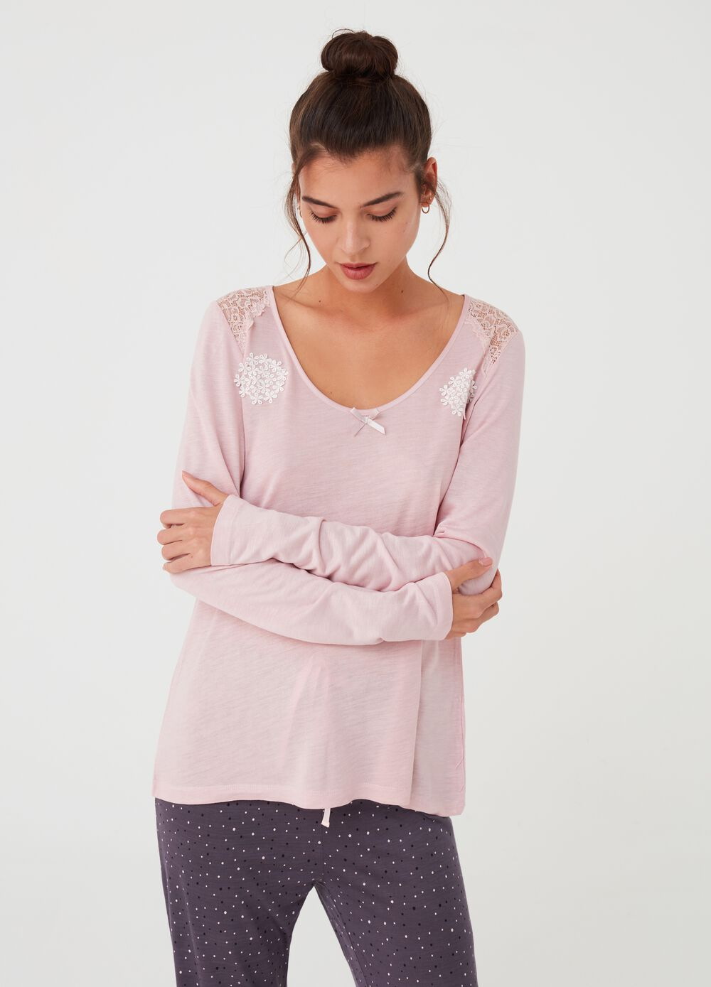 100% viscose pyjama T-shirt with lace