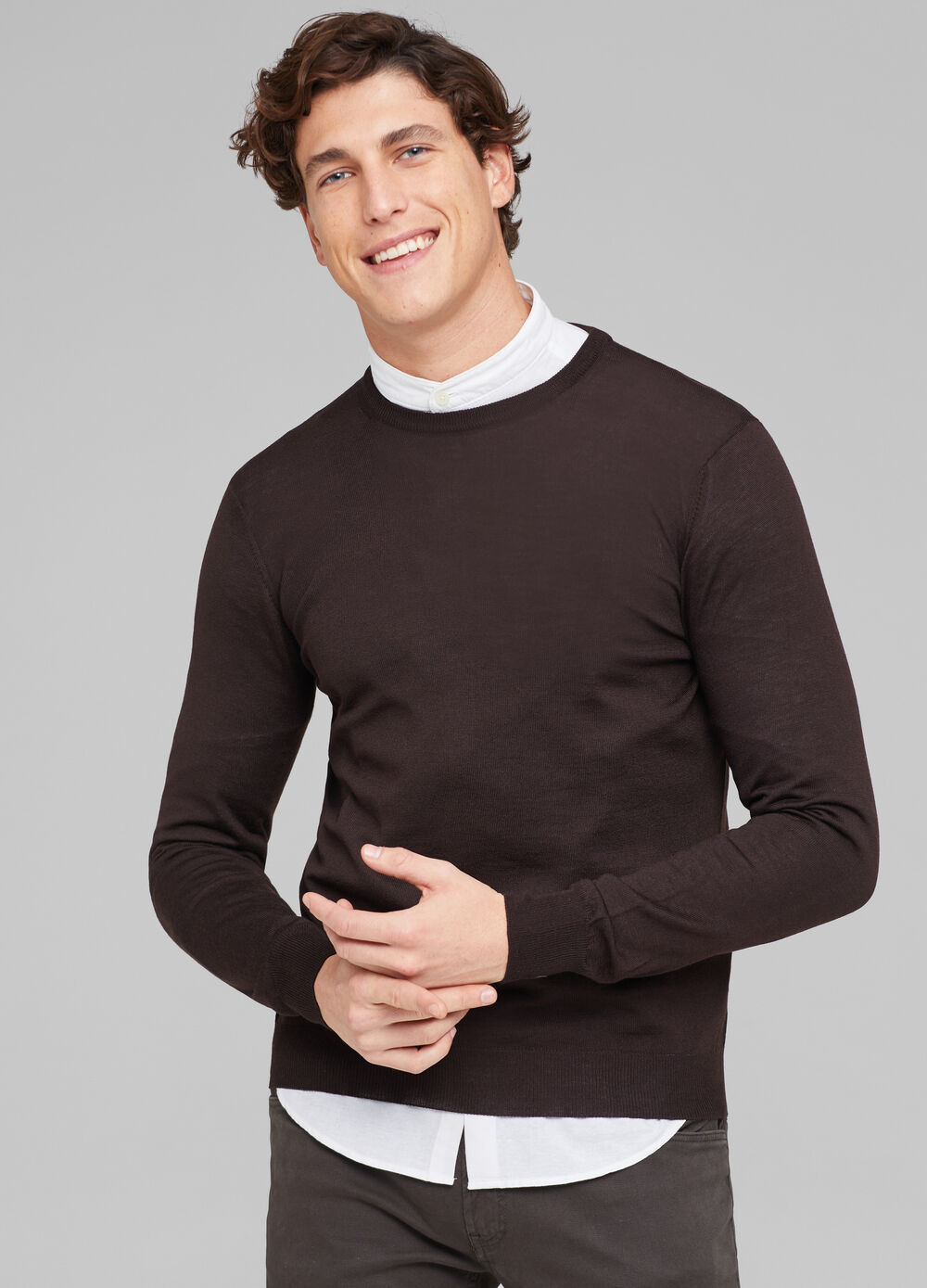 Solid colour pullover in 100% merino wool