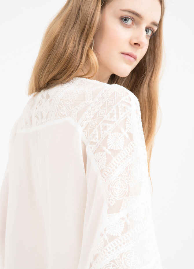 Patterned blouse with lace