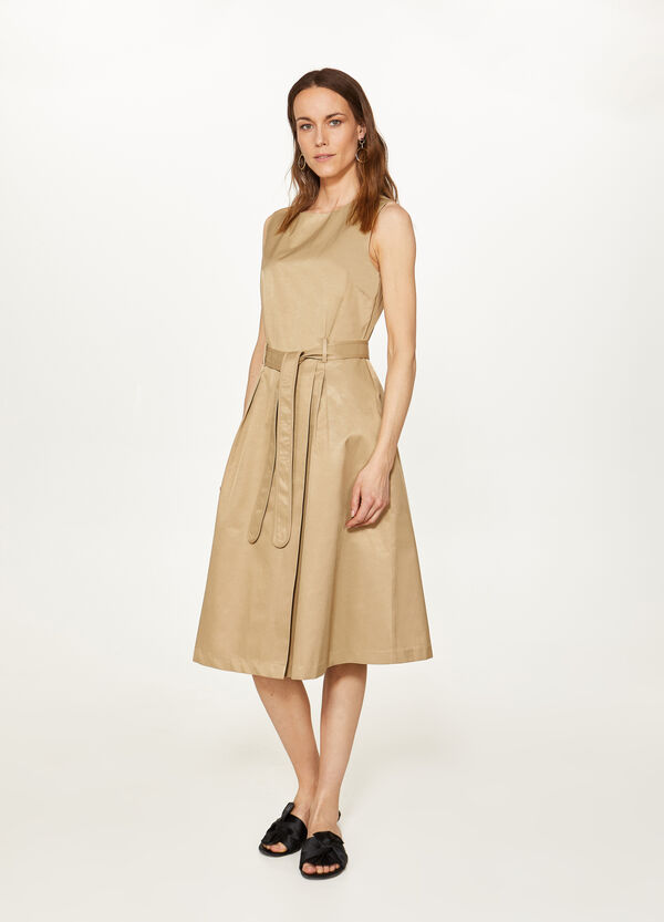 Solid colour sleeveless dress with belt