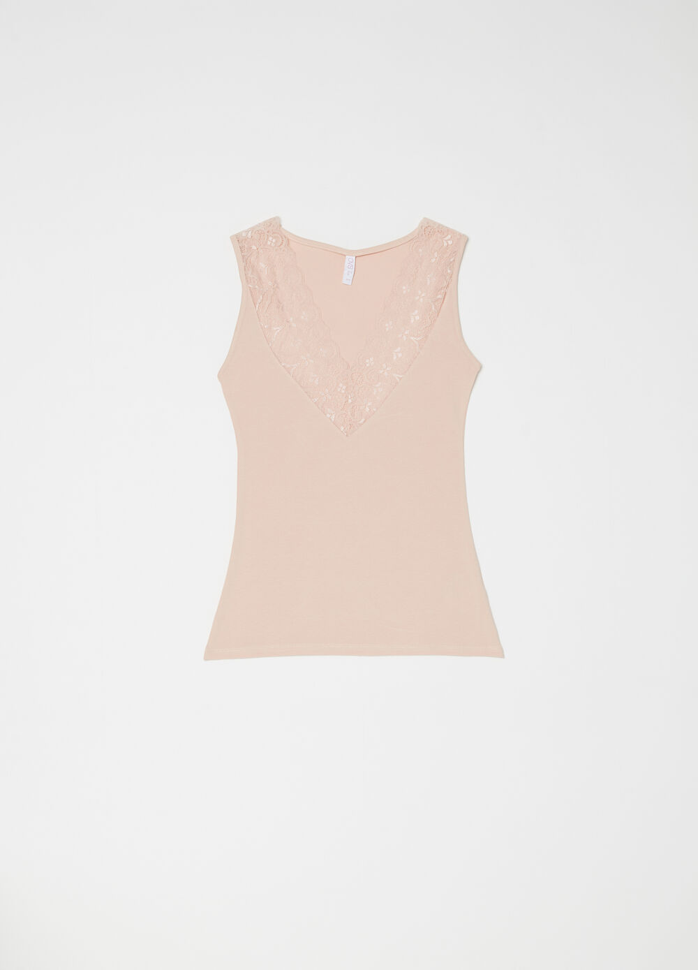 Vest with wide straps